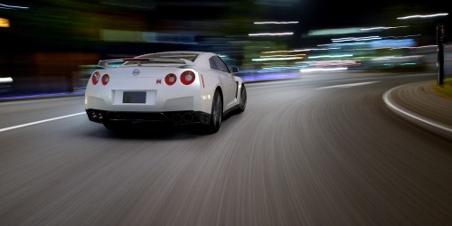 nissan gtr 3d render using motion blurred backplate and hdri map
